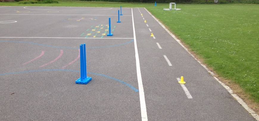 After school club at Ainderby Steeple Primary School, Northallerton – ready for some front foot drive drills